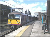 TM1543 : Terminating train at Ipswich station by Stephen Craven