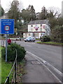 SO8400 : Inchbrook Hill unsuitable for HGVs sign, Inchbrook by Jaggery