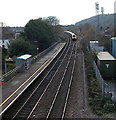 SS9581 : First Great Western train approaches Pencoed railway station from Bridgend by Jaggery