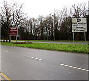 ST3091 : Traffic signal and speed cameras sign on the northern approach to Newport by Jaggery