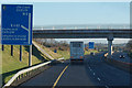 S6968 : The M9 northbound towards junction 6 by Ian S