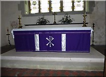 TQ5203 : St Andrew, Alfriston: altar by Basher Eyre