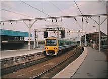 SO9298 : East end of Wolverhampton station by Richard Vince
