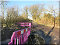 SU4070 : Very Pink Barriers by Des Blenkinsopp