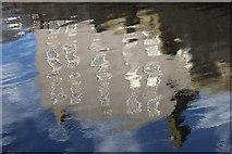 SC2667 : House reflection by Jeremy