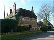 SK8707 : Home Farmhouse, Main Street by Alan Murray-Rust