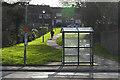 SU8670 : Walkway off Braybrooke Road, Bracknell by Alan Hunt
