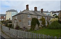SX5053 : Cottages, Kingfisher Way by N Chadwick