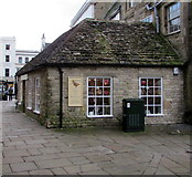 SP0202 : Woodcock and Cavendish, Cirencester by Jaggery