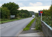 SP2195 : The A4097 at Hemlingford Green by Mat Fascione