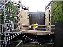 SE3419 : New top gates and temporary stop planks, Fall Ing lock by Christine Johnstone