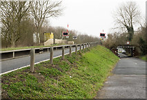 SE6722 : Road on embankment by Trevor Littlewood