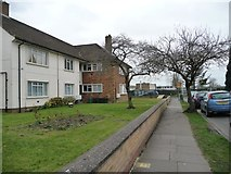 TQ1185 : Housing on the south side of Jubilee Drive by Christine Johnstone