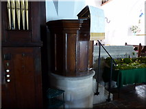 SU3477 : St James, Eastbury: pulpit by Basher Eyre