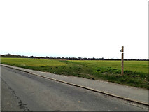 TM0659 : Footpath to the A14 by Adrian Cable
