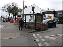 SO9322 : Queen's Road bus stop and shelter opposite Cheltenham Spa railway station by Jaggery