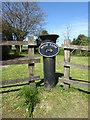 SU0094 : Sign, Moor Farm by Vieve Forward