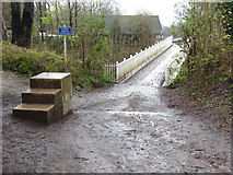 TQ2652 : The North Downs Way footbridge over the A217 by Dave Kelly