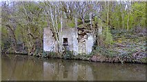 SE2436 : Quarry Building, Leeds and Liverpool Canal, Newlay, Leeds by Mark Stevenson