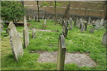 TQ3282 : View of graves in Bunhill Fields #5 by Robert Lamb