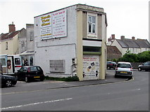 ST3049 : Bend in Victoria Street, Burnham-on-Sea by Jaggery