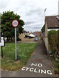 TM0855 : Footpath to Hurstlea Road by Adrian Cable