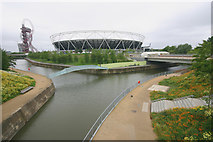 TQ3784 : Confluence of the River Lea (or Lee) and City Mill River by David Kemp