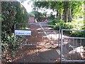 SZ0795 : East Howe: footpath U39 heads for Hadow Road by Chris Downer