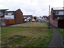 SZ0794 : Ensbury Park: footpath N26 reaches Archdale Close by Chris Downer