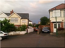 SZ0995 : Moordown: footpath M13 from Redbreast Road by Chris Downer