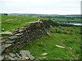 SE0529 : Retaining wall alongside Halifax FP92, Ovenden by Humphrey Bolton