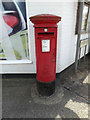 TL9979 : Thelnetham Road Postbox by Geographer