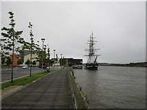 S7127 : Promenade and SS Dunbrody by Jonathan Thacker