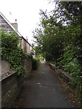 TF1409 : Cottages alongside the River Welland, Deeping Gate by Paul Bryan