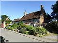 SU1069 : The Henge Shop,  Avebury by PAUL FARMER