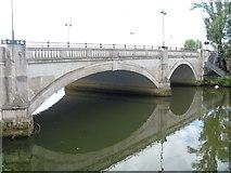 TL1998 : Peterborough's bridges [1] by Michael Dibb