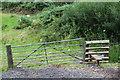 SO1800 : Gate & Stile near Hafodrisclawdd-isaf by M J Roscoe