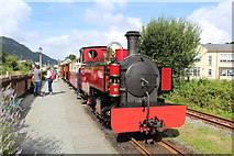 SH5639 : Russell and the 10.30 train by Richard Hoare