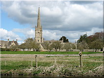 SU2199 : The church of St Lawrence, Lechlade by David Purchase