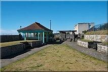 ST3049 : Shelter and pergola, Marine Cove, Burnham-On-Sea by Jim Osley