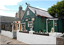 NJ9505 : Summerhouse, Fittie (I) by Bill Harrison
