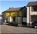 ST2996 : Yellow house in Pontnewydd, Cwmbran by Jaggery