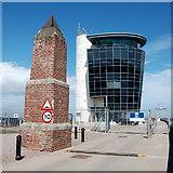NJ9505 : Aberdeen harbour scene by Bill Harrison