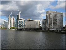 TQ3078 : River Thames by Hugh Venables