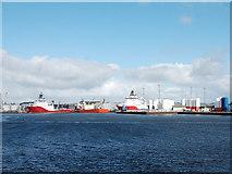 NJ9505 : Oil service boats, Aberdeen Harbour by Bill Harrison