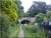 SO8999 : Approaching Tettenhall Old Bridge by Richard Vince