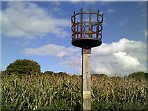 SU6022 : The beacon on Beacon Hill by Peter S