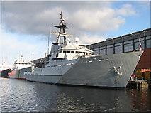 NT2677 : 'HMS Severn' - P282 by M J Richardson