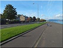 NS2677 : Greenock Esplanade by Lairich Rig