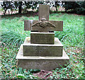 TG3505 : WW1 grave by Evelyn Simak